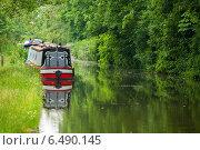 Плавучий домик на канале. Оксфорд. Оксфордшир, Англия, Великобритания (2013 год). Стоковое фото, фотограф Andrei Nekrassov / Фотобанк Лори