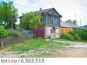 Купить «Двухэтажный дом в селе Перемышль», фото № 6503513, снято 6 августа 2014 г. (c) Зобков Георгий / Фотобанк Лори