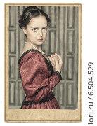 Купить «Портрет красивой девушки в старинном платье», фото № 6504529, снято 10 апреля 2014 г. (c) Darkbird77 / Фотобанк Лори