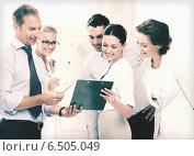 Купить «business team discussing something in office», фото № 6505049, снято 9 июня 2013 г. (c) Syda Productions / Фотобанк Лори