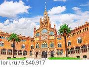 Купить «Госпиталь Sant Pau Recinte Modernista.  Барселона, Каталония, Испания», фото № 6540917, снято 2 сентября 2014 г. (c) Vitas / Фотобанк Лори