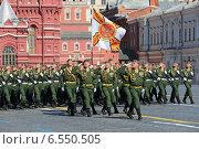 Купить «Парад на Красной площади в Москве, посвященный 69-й годовщине победы в Великой Отечественной войне. 4-я гвардейская Кантемировская танковая дивизия», фото № 6550505, снято 9 мая 2014 г. (c) Игорь Долгов / Фотобанк Лори