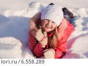 happy girl on snow. Стоковое фото, фотограф Майя Крученкова / Фотобанк Лори