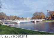 Купить «Мост. Верхнее озеро. Калининград», эксклюзивное фото № 6560841, снято 19 октября 2014 г. (c) Svet / Фотобанк Лори