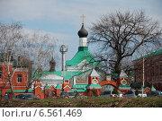 Купить «Святые ворота, Церковь Сергия Радонежского в Свято-Троицком монастыре в Рязани», эксклюзивное фото № 6561469, снято 23 апреля 2010 г. (c) lana1501 / Фотобанк Лори