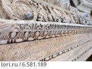 Резьба по камню, римские руины в Сиде (2014 год). Стоковое фото, фотограф Катерина Вахе / Фотобанк Лори