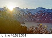 Солнце садится за пик Эйгер в регионе Юнгфрау, Швейцария (2013 год). Стоковое фото, фотограф Роман Бабакин / Фотобанк Лори
