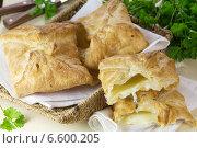 Купить «Хачапури с сыром», эксклюзивное фото № 6600205, снято 19 апреля 2013 г. (c) Александр Курлович / Фотобанк Лори