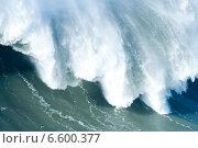 Купить «Гребень океанской волны, Португалия, Назаре», фото № 6600377, снято 29 декабря 2013 г. (c) Татьяна Кахилл / Фотобанк Лори