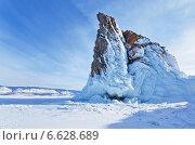 Байкал зимой. Скальный мыс Хорин-Ирги в красивых наплесковых льдах. Стоковое фото, фотограф Виктория Катьянова / Фотобанк Лори