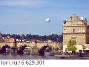 Чехия, Прага, вид на Карлов мост (2014 год). Редакционное фото, фотограф Виноградова Вероника / Фотобанк Лори