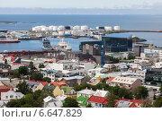 Купить «Вид сверху на центр и порт Рейкьявика», фото № 6647829, снято 27 июня 2014 г. (c) Anna P. / Фотобанк Лори