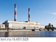 Купить «Электростанция на набережной Москвы-реки», фото № 6651029, снято 22 ноября 2019 г. (c) Mikhail Starodubov / Фотобанк Лори