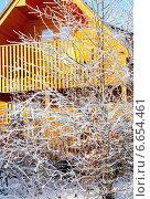 Купить «Деревянный коттедж зимой», фото № 6654461, снято 8 декабря 2010 г. (c) Татьяна Кахилл / Фотобанк Лори