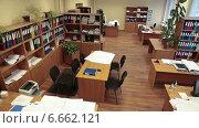 Купить «Сотрудники офиса за работой, таймлапс. Имитация точки съемки камеры видео наблюдения», видеоролик № 6662121, снято 13 ноября 2014 г. (c) Кекяляйнен Андрей / Фотобанк Лори