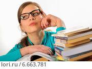 Портрет девушки студентки с книгами. Стоковое фото, фотограф Iordache Carmen Anne Marie / Фотобанк Лори