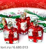 Купить «Стеклянные елочные игрушки», фото № 6680013, снято 22 февраля 2014 г. (c) ElenArt / Фотобанк Лори