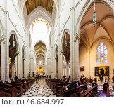 Inside of Almudena Cathedral in Madrid, Spain. (2013 год). Редакционное фото, фотограф Яков Филимонов / Фотобанк Лори