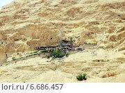 Купить «Фуникулеры к монастырю Искушения. Гора Каранталь. Палестинская автономия», эксклюзивное фото № 6686457, снято 22 мая 2014 г. (c) stargal / Фотобанк Лори
