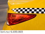 Желтое такси. Задняя фара. Стоковое фото, фотограф Анастасия Козлова / Фотобанк Лори