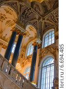 Купить «Санкт-Петербург. В Зимнем дворце», эксклюзивное фото № 6694485, снято 16 ноября 2014 г. (c) Александр Алексеев / Фотобанк Лори