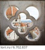 Купить «Собор Санта-Мария-дель-Фьоре, вид сквозь забор, Флоренция, Италия», фото № 6702837, снято 28 января 2020 г. (c) Mikhail Starodubov / Фотобанк Лори