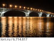 Купить «Автомобильный мост через реку Волга соединяет города Саратов и Энгельс», фото № 6714817, снято 29 августа 2014 г. (c) Yanchenko / Фотобанк Лори
