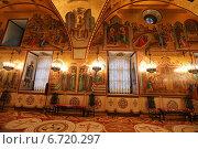 Внутреннее убранство Грановитой палаты в Московском Кремле (2014 год). Редакционное фото, фотограф Алексей Гусев / Фотобанк Лори