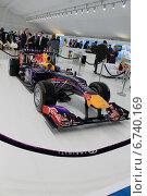 Болид Формулы 1 (2011 год). Редакционное фото, фотограф Алина Салащенко / Фотобанк Лори