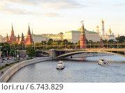 Купить «Московский Кремль летним вечером», фото № 6743829, снято 12 июня 2014 г. (c) Овчинникова Ирина / Фотобанк Лори