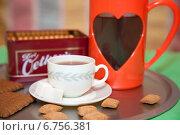 Купить «Чашка кофе и печенье на подносе», фото № 6756381, снято 3 декабря 2014 г. (c) SummeRain / Фотобанк Лори