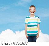 Купить «smiling little boy in eyeglasses», фото № 6766637, снято 3 июня 2014 г. (c) Syda Productions / Фотобанк Лори
