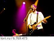 """Купить «Выступление группы """"Сплин"""" в клубе А2. 26 апреля 2013 года», эксклюзивное фото № 6769473, снято 26 апреля 2013 г. (c) Ольга Визави / Фотобанк Лори"""