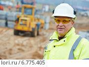 Купить «construction building site foreman», фото № 6775405, снято 10 ноября 2014 г. (c) Дмитрий Калиновский / Фотобанк Лори