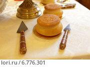 Купить «Фрагмент алтаря с просфорой», эксклюзивное фото № 6776301, снято 23 ноября 2014 г. (c) Дмитрий Неумоин / Фотобанк Лори