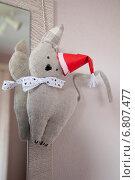 Кошка в шапке Санта Клауса. Стоковое фото, фотограф Александра Орехова / Фотобанк Лори