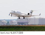 """Canadair CL-600-2B19 CRJ-200ER (бортовой VQ-BMK) авиакомпании """"ИрАэро"""" на взлете из Домодедова (2013 год). Редакционное фото, фотограф Alexei Tavix / Фотобанк Лори"""