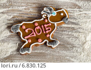 Купить «Sweet Christmas gingerbread goat», фото № 6830125, снято 15 декабря 2014 г. (c) Tatjana Baibakova / Фотобанк Лори