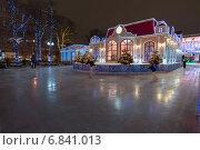 Москва, каток на Пушкинской площади (2014 год). Редакционное фото, фотограф Володина Ольга / Фотобанк Лори