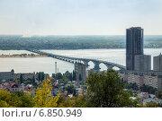 Автомобильный мост через реку Волгу между городами Саратов и Энгельс (2014 год). Стоковое фото, фотограф Сергей Лаврентьев / Фотобанк Лори