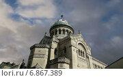 Здание базилики Сен Мартен, Франция (2015 год). Стоковое видео, видеограф Владимир Журавлев / Фотобанк Лори