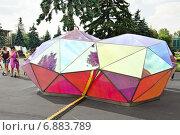 Купить «Арт-объект на ВДНХ», эксклюзивное фото № 6883789, снято 1 июля 2014 г. (c) Алёшина Оксана / Фотобанк Лори