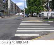 Купить «5-я Парковая улица. Москва», эксклюзивное фото № 6889641, снято 17 августа 2012 г. (c) lana1501 / Фотобанк Лори