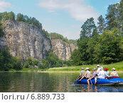 Купить «Туристы на рафтах сплавляются по реке Ай», фото № 6889733, снято 30 июня 2012 г. (c) Александр Цуркан / Фотобанк Лори