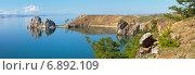 Купить «Байкал. Панорамный вид на Хужирский залив и скалу Шаманку», фото № 6892109, снято 19 июня 2014 г. (c) Виктория Катьянова / Фотобанк Лори