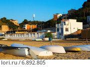 Купить «Boats at beach of catalan town. Montgat», фото № 6892805, снято 2 июня 2014 г. (c) Яков Филимонов / Фотобанк Лори