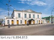 Купить «Драматический театр в Таганроге», фото № 6894813, снято 19 апреля 2014 г. (c) Борис Панасюк / Фотобанк Лори