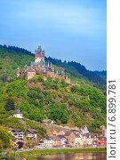 Императорский замок Кохем, гора и река Мозель (2014 год). Стоковое фото, фотограф Сергей Новиков / Фотобанк Лори