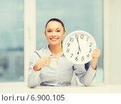 Купить «attractive businesswoman with white clock», фото № 6900105, снято 8 декабря 2013 г. (c) Syda Productions / Фотобанк Лори