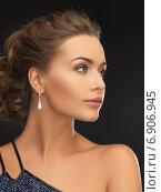 Купить «woman with diamond earrings», фото № 6906945, снято 17 марта 2013 г. (c) Syda Productions / Фотобанк Лори